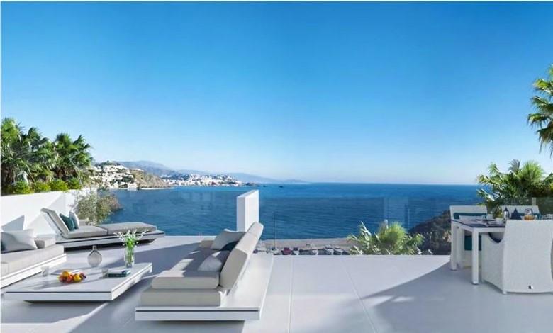 A4U2007-spacious-terrace-with-sea-views