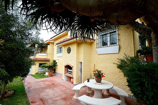 Ref:AM1190 Villa For Sale in Benalmádena