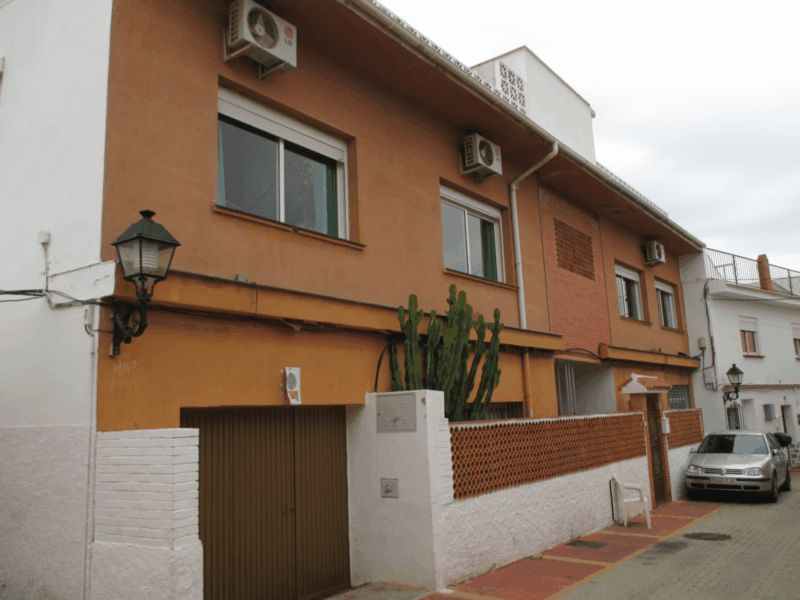 Ref:AM1782 Townhouse For Sale in Fuengirola