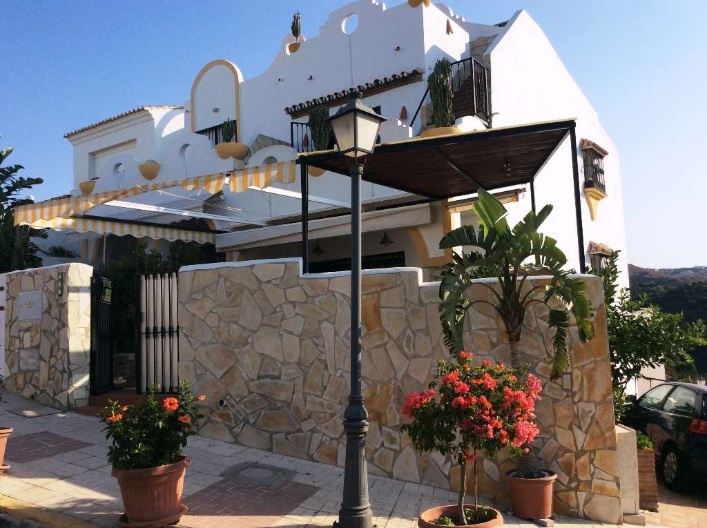 Ref:AM2042 Townhouse For Sale in Marbella