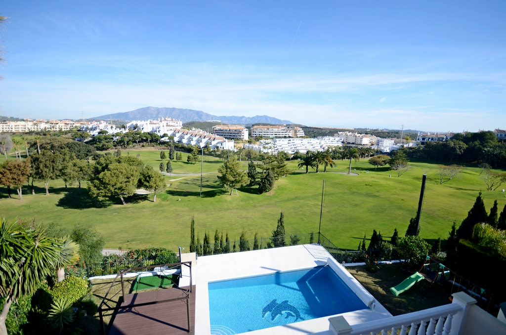 Ref:AM2242 Villa For Sale in Riviera