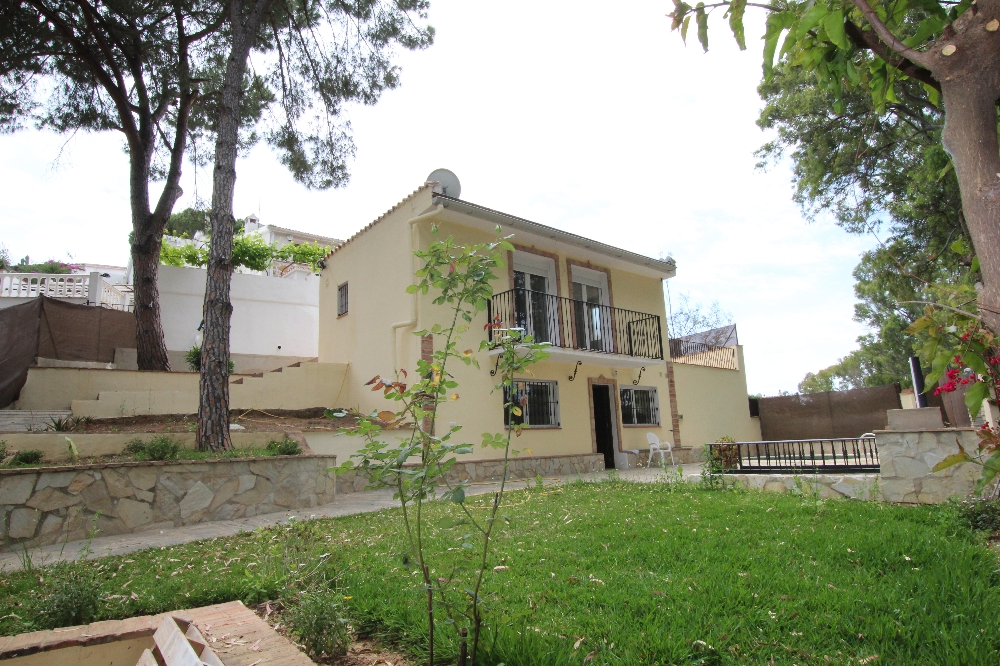 Ref:AM2246 chalet For Sale in Los Monteros