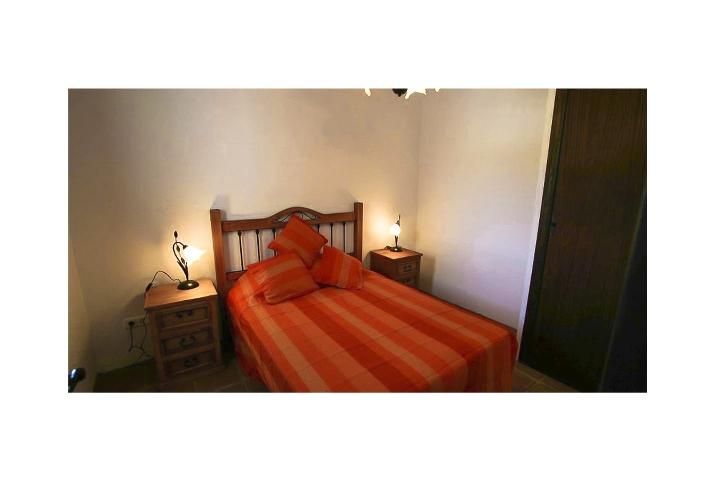 6. 18HC071 - Master Bedroom