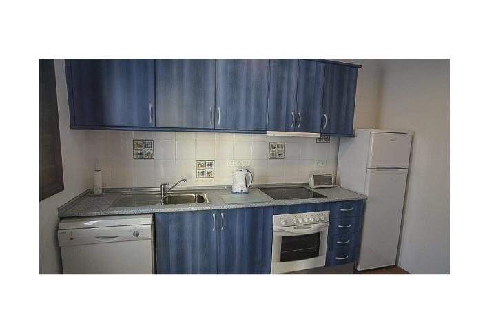 8. 18HC071 Kitchen