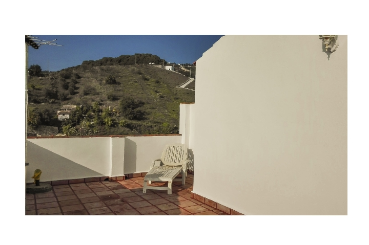 14. 18HC071 - Roof terrace