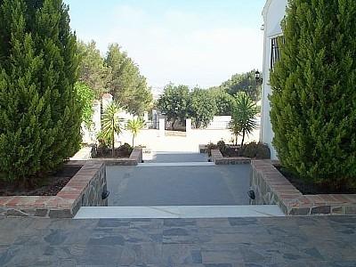 Front Garden & Patio.