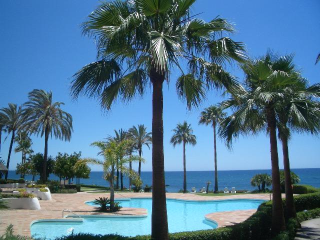 Alcazaba Beach - pools