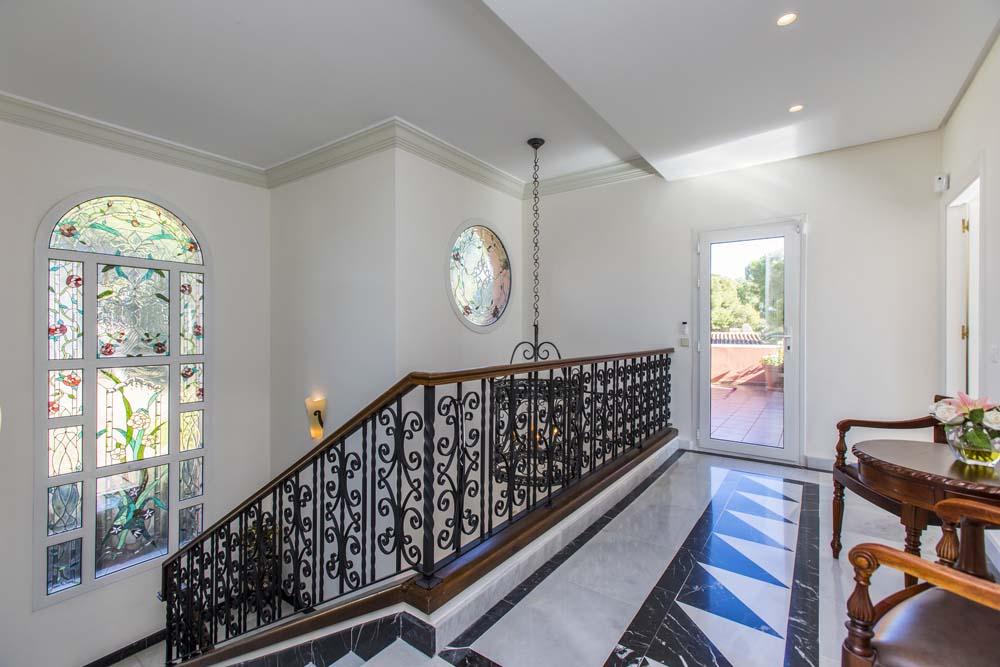 Hall-upstairs_1