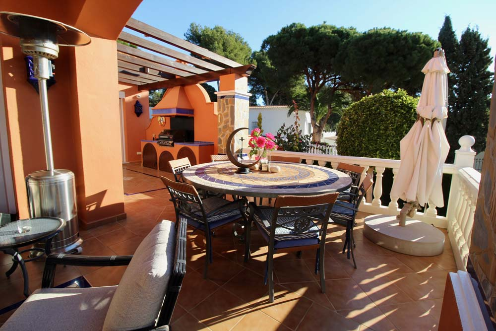 terrace_dining_no_umbrella
