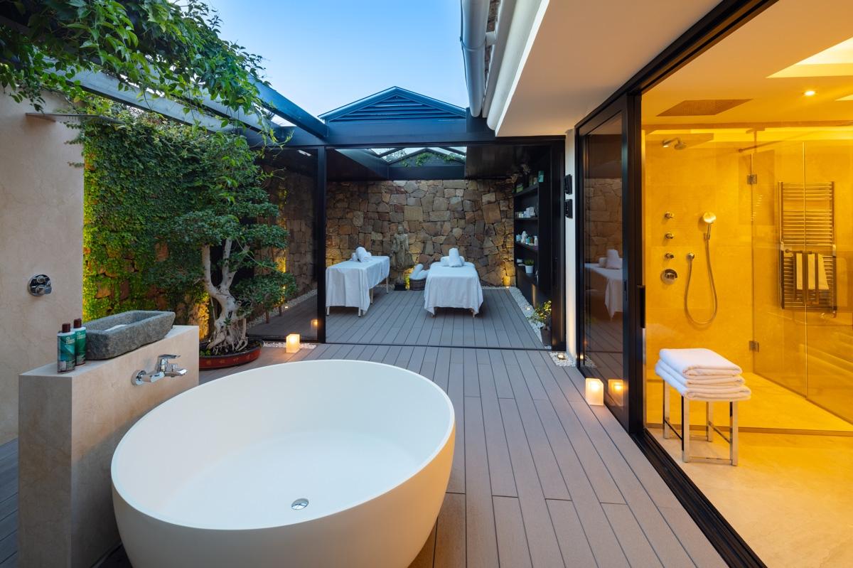 outside bathroom - massage room