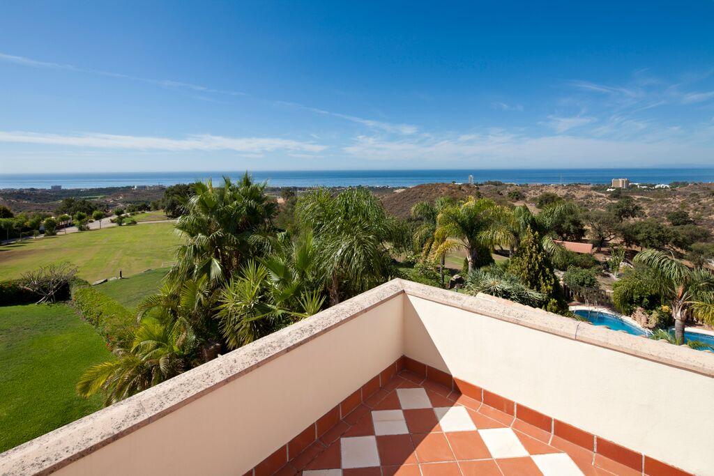 V5126 Beautiful Villa with Sea Views (12)