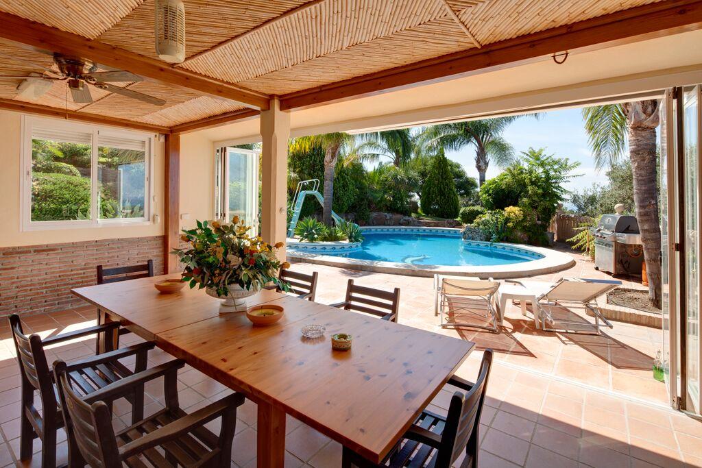 V5126 Beautiful Villa with Sea Views (14)
