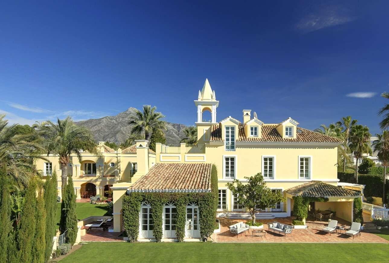 V5122 Villa Nueva Andalucia 1