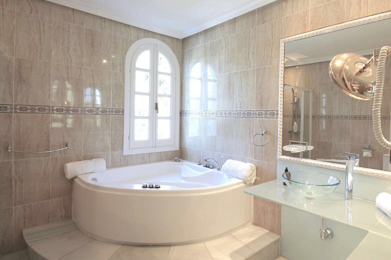 V5271 Villa For Sale Nueva Andalucia (15)