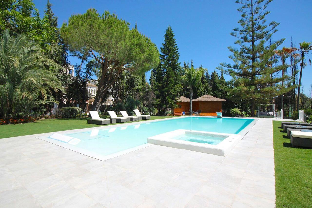 V5271 Villa For Sale Nueva Andalucia (17)