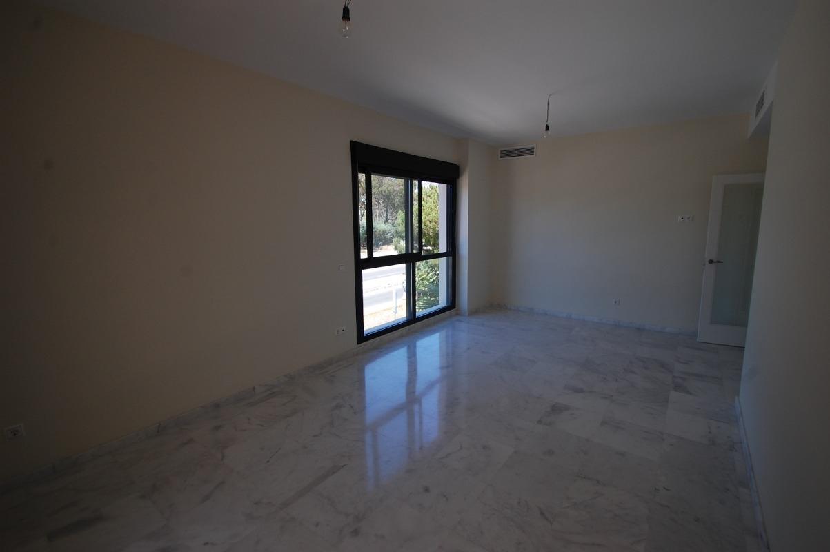 A5663 Beachside apartment New Golden Mile 11_1203x800