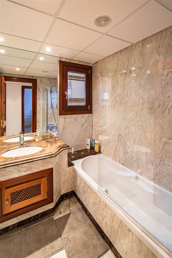 Beachfront Penthouse for sale Estepona Spain (12) (Large)