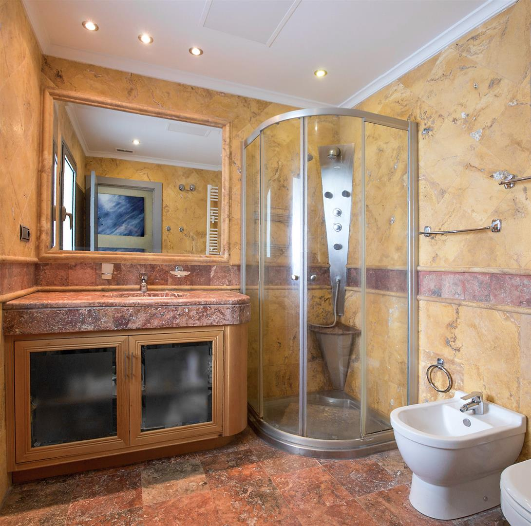 Luxury 2 bedrooms Apartment for sale Puerto Banus Marbella Spain (3) (Large)