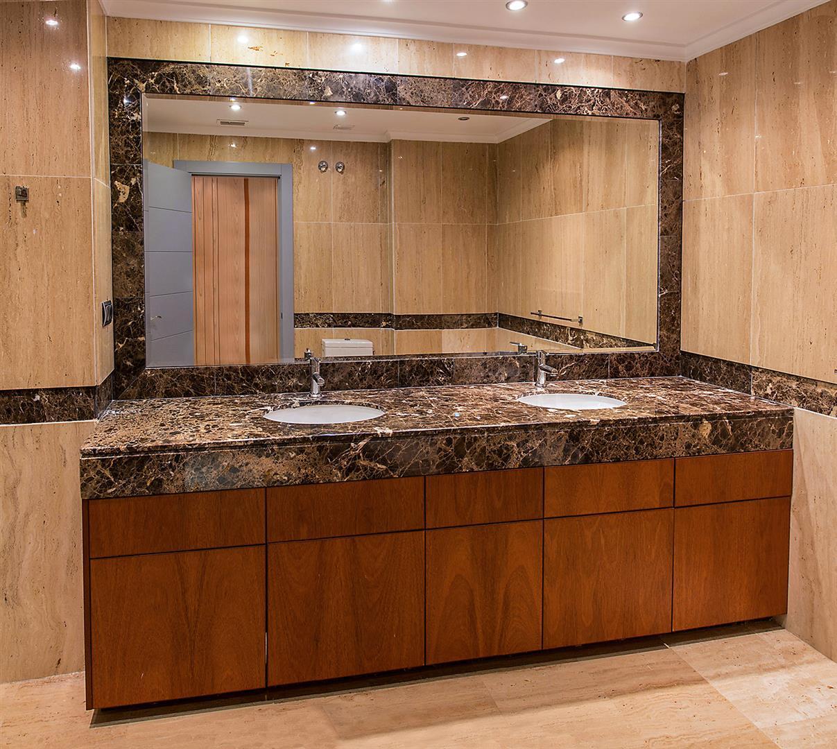 Luxury 2 bedrooms Apartment for sale Puerto Banus Marbella Spain (4) (Large)