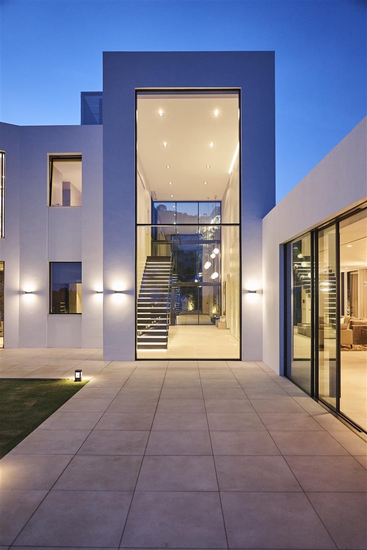 Exclusive Contemporary Villa for sale Benahavis Spain (19) (Large)
