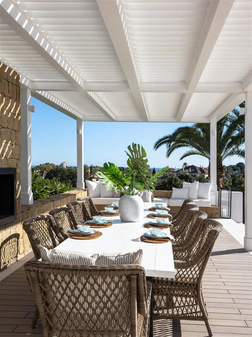 Frontline Golf Luxury Villa for sale Nueva Andalucia Marbella Spain (23) (Large)