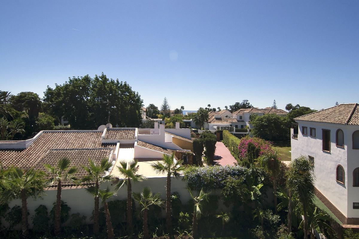 Villa en venta en guadalmina baja marbella m laga espa a for Villa jardin lanus oeste