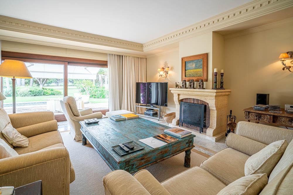 ayling-sotogrande-villa-living-room-sotogrande-coast