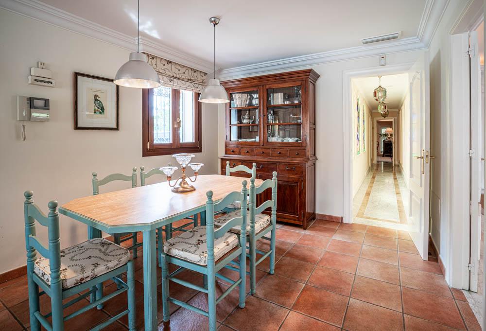 ayling-sotogrande-villa-kitchen-sotogrande-coast-3