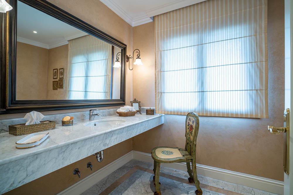 ayling-sotogrande-villa-bathroom-sotogrande-coast-3