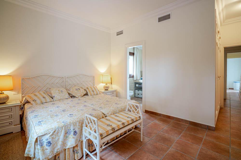 ayling-sotogrande-villa-staff-bedroom-sotogrande-coast