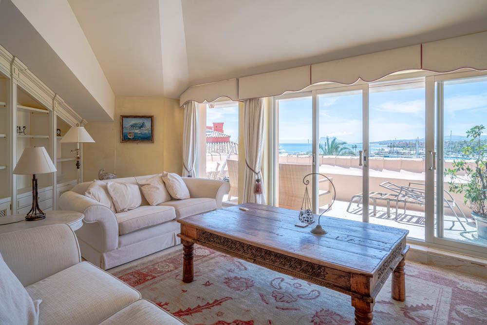 ayling-sotogrande-penthouse-sotogrande-port-living-room-views