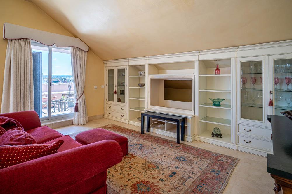 ayling-sotogrande-penthouse-sotogrande-port-living-room-2