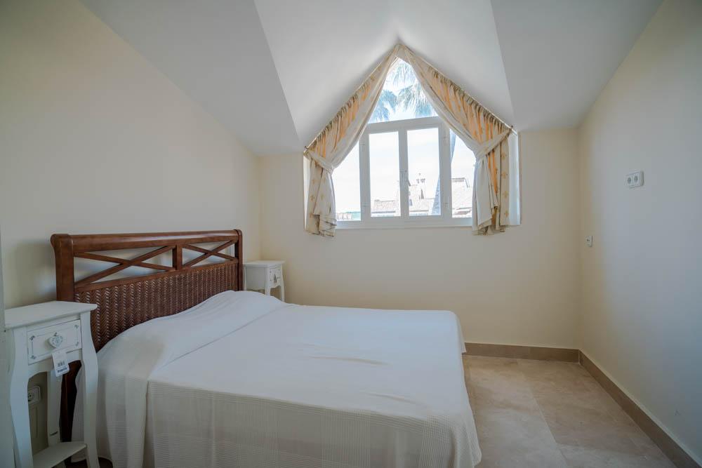 ayling-sotogrande-penthouse-sotogrande-port-bedroom-2